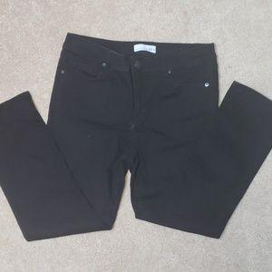 Black denim Capri pants